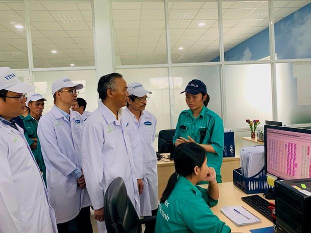 'Resort' bo sua Tay Ninh: Hat nhan xay dung vung chan nuoi bo an toan hinh anh 3
