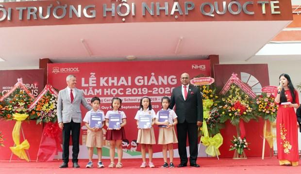 He thong giao duc Nguyen Hoang don gan 15.000 hoc sinh hinh anh 1
