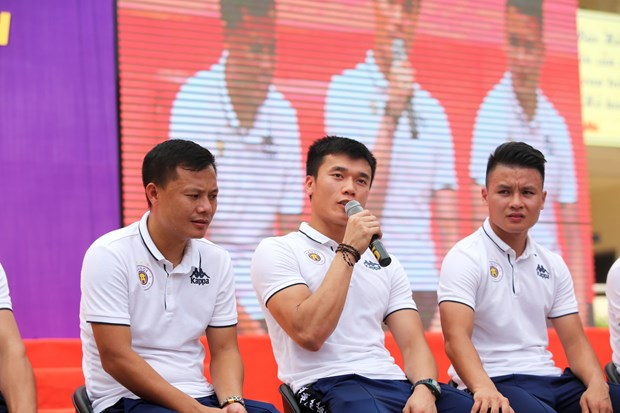 Quang Hai: 'Neu khong co y chi se khong vuot qua chinh minh' hinh anh 4