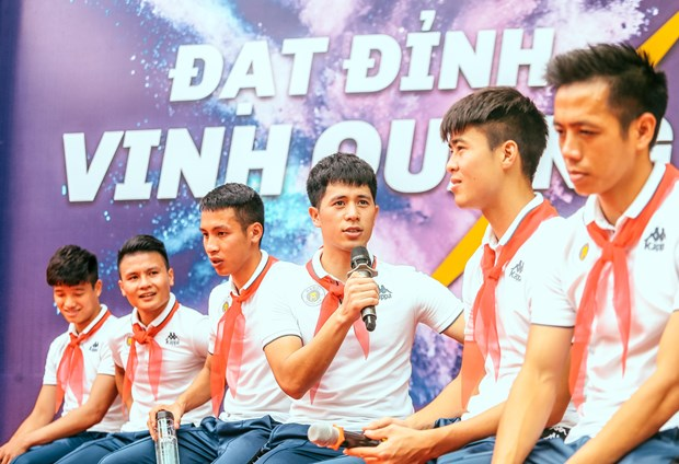 Co hoi dong hanh cung DTQG Viet Nam tai Vong loai World Cup 2022 hinh anh 2