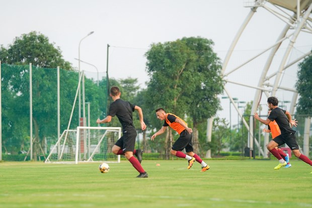 Giam doc Hoc vien bong da FK Sarajevo bat ngo vi su hien dai cua PVF hinh anh 9