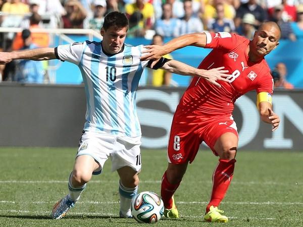 Messi den duoc voi doi Argentina qua... danh ba dien thoai hinh anh 1