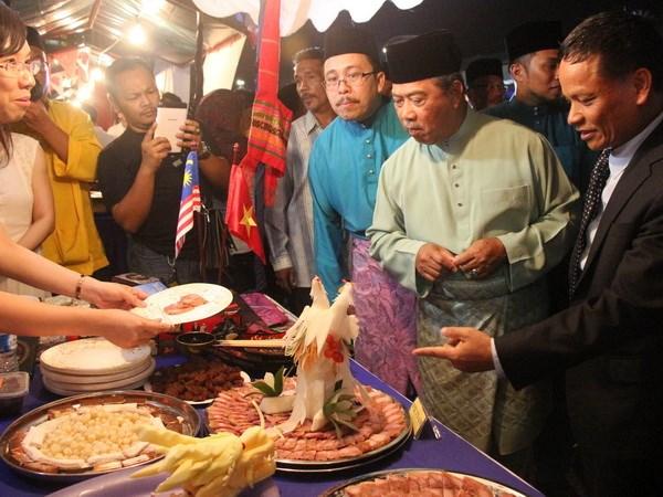 Pho Thu tuong Malaysia an tuong voi am thuc Viet Nam hinh anh 1