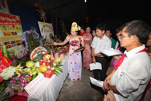 [Photo] Tung bung le hoi dem ram vui Tet Trung thu tai Ha Noi hinh anh 3