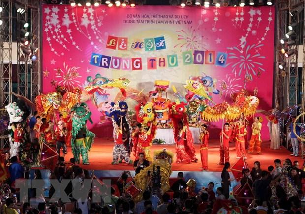 [Photo] Tung bung le hoi dem ram vui Tet Trung thu tai Ha Noi hinh anh 6
