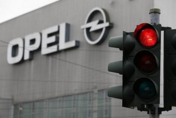 Opel giam san xuat tai 2 nha may o Duc sau khi roi khoi Nga hinh anh 1
