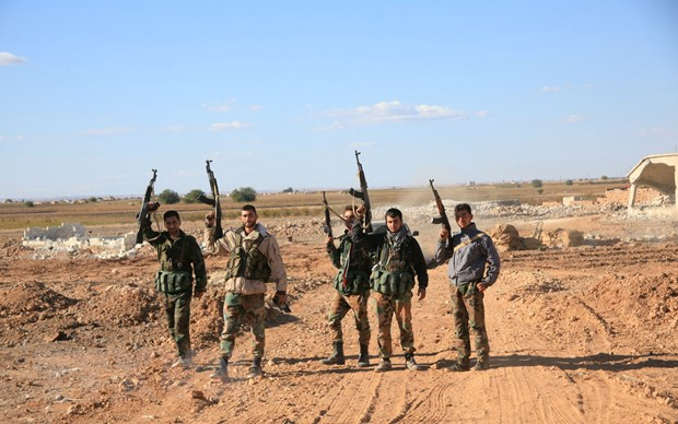 Quan doi Syria va phe noi day dam phan ngung ban gan Damascus hinh anh 1