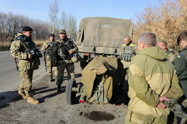 UNHCHR: Vu khi, chien binh tiep tuc do vao mien Dong Ukraine hinh anh 1