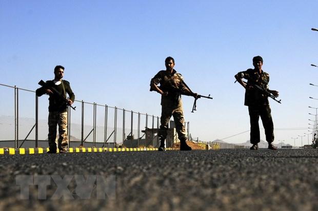 Thu tuong Yemen: Phien quan Houthi nen dau hang, nop vu khi hinh anh 1