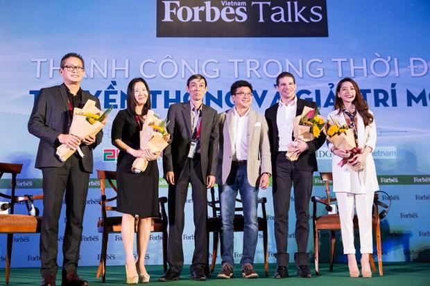 Bai dien van gay sot cua Chi Pu tai Forbes Talks Vietnam 2017 hinh anh 9