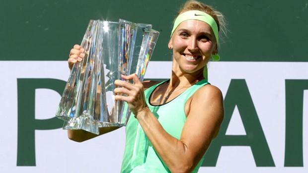 Nguoc dong ngoan muc, Elena Vesnina nang cup Indian Wells hinh anh 1