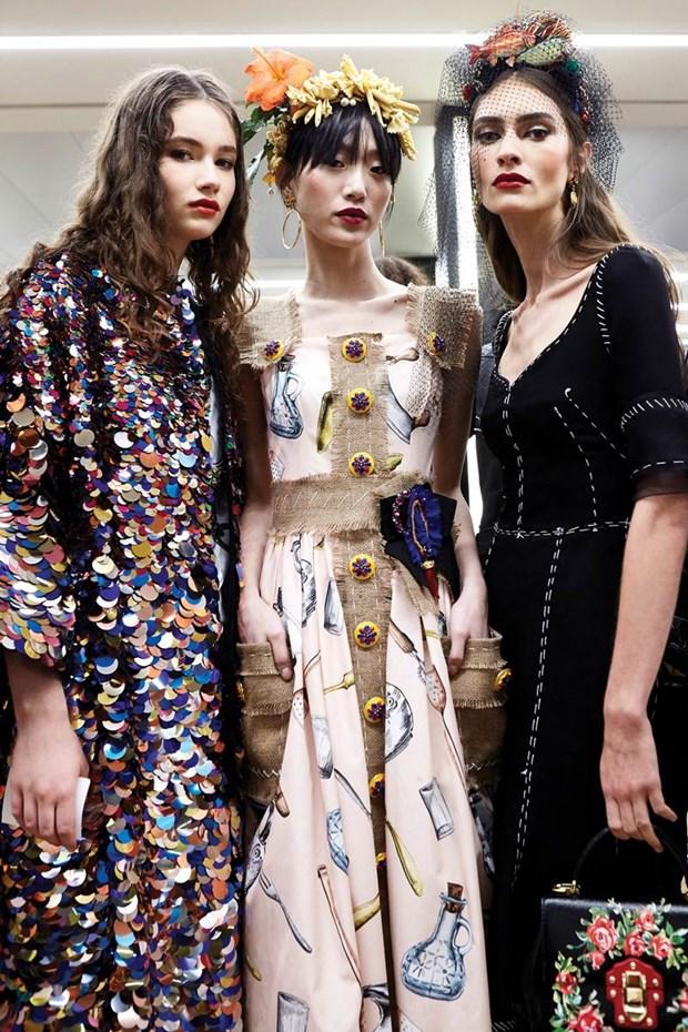 "Dolce & Gabbana: ""Chung toi giong nhu hai mat cua mot dong xu"" hinh anh 5"
