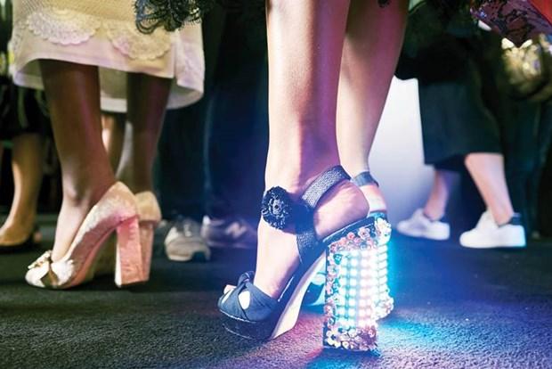 "Dolce & Gabbana: ""Chung toi giong nhu hai mat cua mot dong xu"" hinh anh 3"