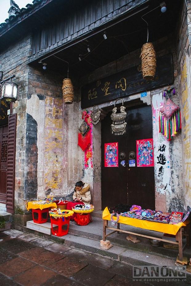 Lac chon than tien o Truong Gia Gioi va Phuong Hoang Co Tran hinh anh 6