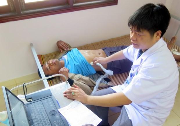 TP. HCM kham va cap thuoc mien phi cho kieu bao, nguoi dan Campuchia hinh anh 1