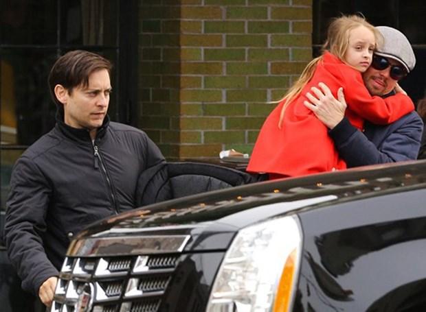 Leonardo DiCaprio va Tobey Maguire: 30 nam moi tham tinh ben chat hinh anh 6