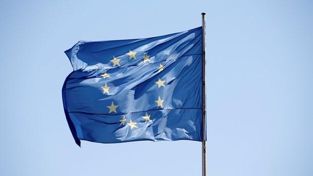 Khoang 1/3 dan Italy, Hy Lap nghi nuoc ho nen roi khoi EU hinh anh 1
