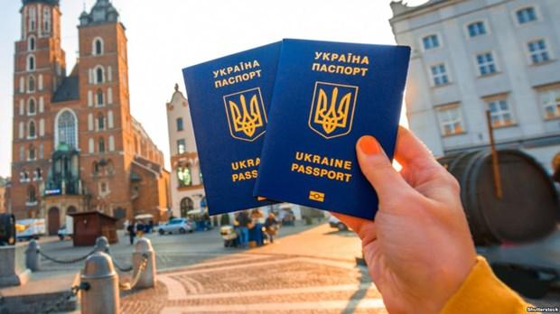 So luong nguoi Ukraine xin cap ho chieu sinh trac hoc tang dot bien hinh anh 1