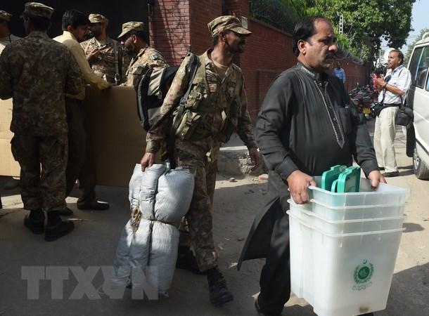 Pakistan bo phieu bau bo sung ghe nghi sy thay the thu tuong Sharif hinh anh 1