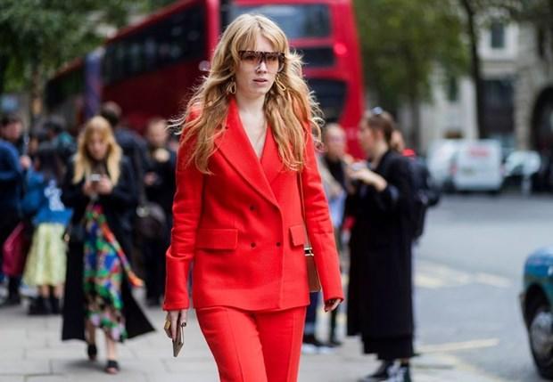 Nam diem sang street style tai tuan le thoi trang London Xuan He 2018 hinh anh 1