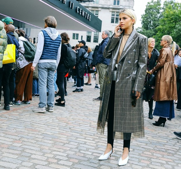 Nam diem sang street style tai tuan le thoi trang London Xuan He 2018 hinh anh 21