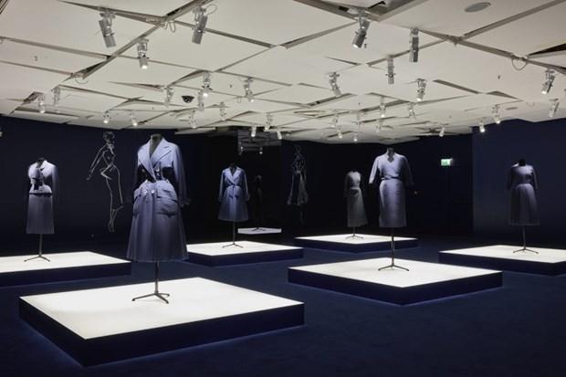Cac thiet ke chiem tinh cua Dior me hoac tin do shopping tai Paris hinh anh 8
