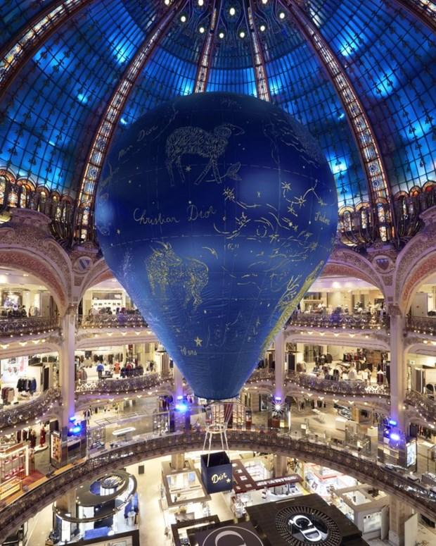 Cac thiet ke chiem tinh cua Dior me hoac tin do shopping tai Paris hinh anh 6