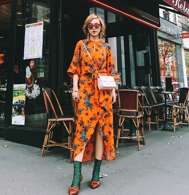 Fashionista Viet mix do ''chat lu'' du tuan le thoi trang Paris hinh anh 10