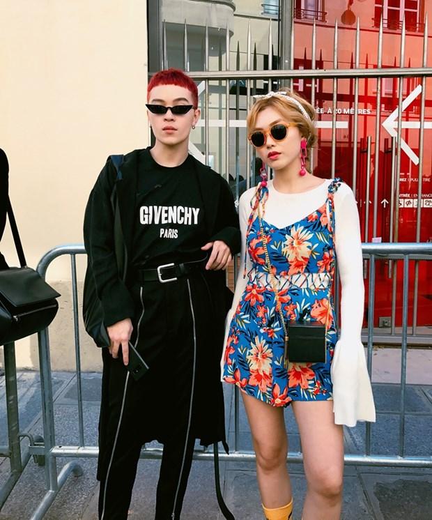 Fashionista Viet mix do ''chat lu'' du tuan le thoi trang Paris hinh anh 8