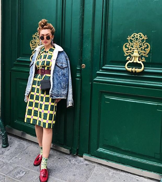 Fashionista Viet mix do ''chat lu'' du tuan le thoi trang Paris hinh anh 11