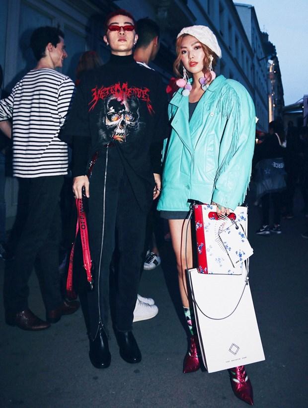 Fashionista Viet mix do ''chat lu'' du tuan le thoi trang Paris hinh anh 7