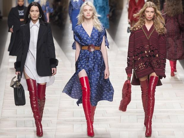Boots cao qua goi - ''bao boi'' phai co cua fashionista mua Thu Dong hinh anh 2
