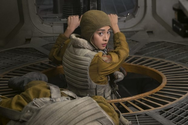 Gap 2 kieu nu goc Viet tham gia bom tan ''Star Wars: The Last Jedi'' hinh anh 5