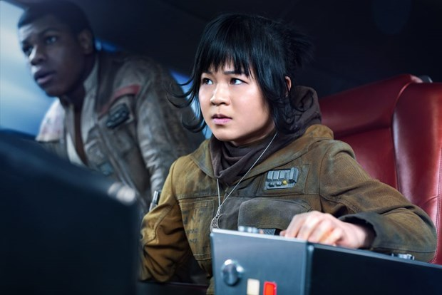 Gap 2 kieu nu goc Viet tham gia bom tan ''Star Wars: The Last Jedi'' hinh anh 7