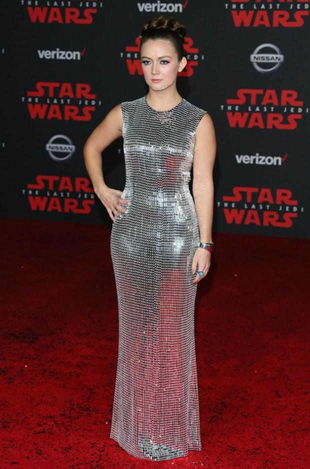 Kelly Marie Tran chon ekip Viet de 'gui vang' tai le ra mat Star Wars hinh anh 11