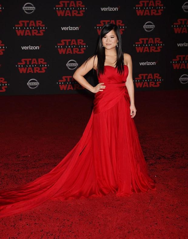 Kelly Marie Tran chon ekip Viet de 'gui vang' tai le ra mat Star Wars hinh anh 1
