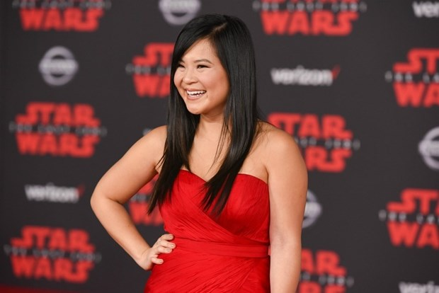 Kelly Marie Tran chon ekip Viet de 'gui vang' tai le ra mat Star Wars hinh anh 6