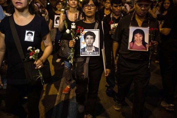 Peru: Dung do trong cuoc bieu tinh phan doi Tong thong Kuczynski hinh anh 1