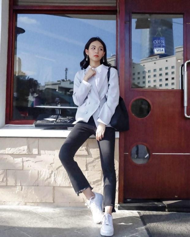Trang phuc denim phu song street style cua my nhan Viet tuan qua hinh anh 15