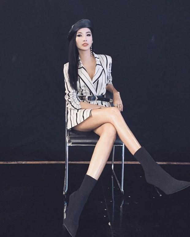 Thanh Hang, Ho Ngoc Ha va dan sao Viet chat lu voi hoa tiet ke hinh anh 5