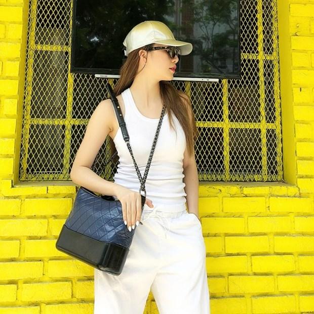 Ngam street style cua sao Viet va hoc lom meo phoi do ton voc dang hinh anh 6
