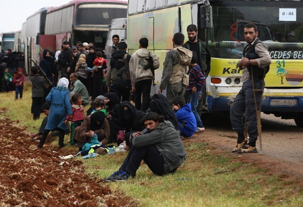Syria: Phien quan Jaish al-Islam dat thoa thuan roi thi tran Dumayr hinh anh 1