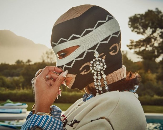 Rihanna toa sang tai Coachella voi phong cach khong the dung hang hinh anh 11