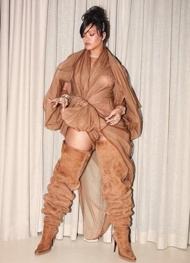 Rihanna toa sang tai Coachella voi phong cach khong the dung hang hinh anh 5