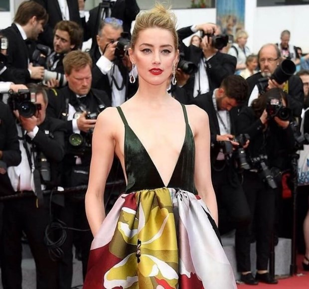 My nhan Bollywood dien vay cuoi tai Cannes, lan at dan sieu mau hinh anh 19