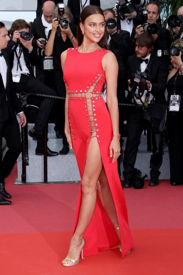 My nhan Bollywood dien vay cuoi tai Cannes, lan at dan sieu mau hinh anh 17