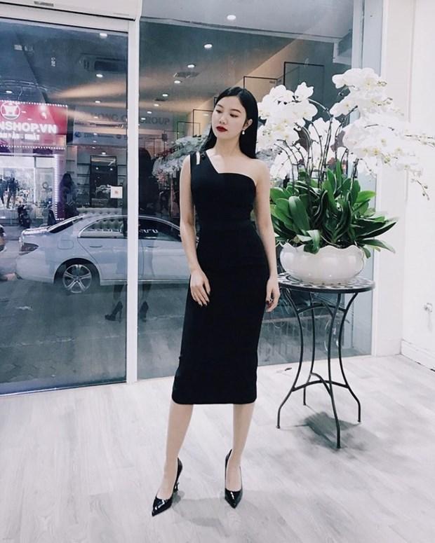 Sao Viet khoe street style phong khoang, phoi do ton chan dai mien man hinh anh 16