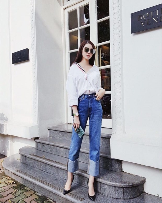 Sao Viet khoe street style phong khoang, phoi do ton chan dai mien man hinh anh 7