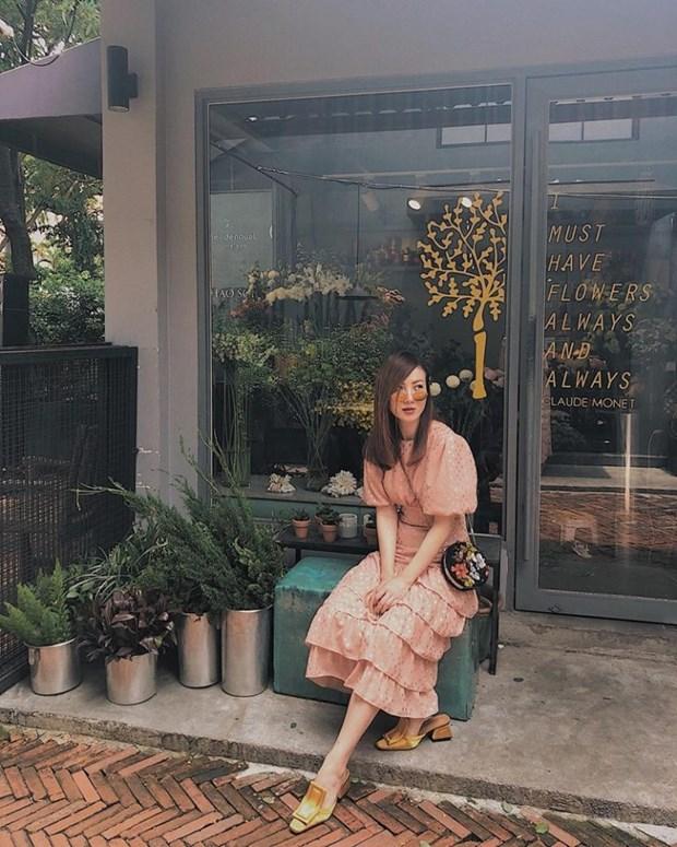 Sao Viet khoe street style phong khoang, phoi do ton chan dai mien man hinh anh 5