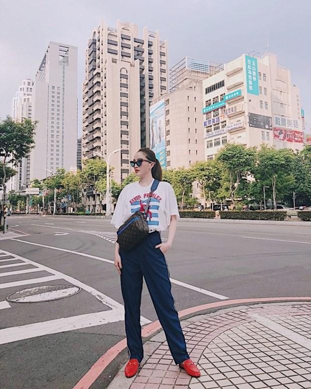 Sao Viet khoe street style phong khoang, phoi do ton chan dai mien man hinh anh 10